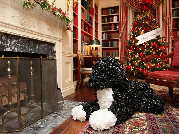 white House decorated for Christmas - fireplace