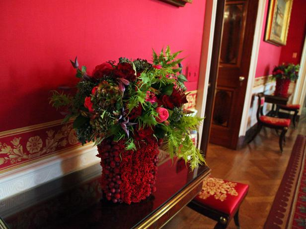 White House Console table decorated for Christma 2012